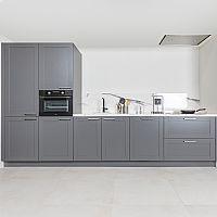 Rechte keuken basalt met kaderfront