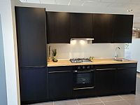 Denver Classic mat zwart gelakt houtnerf 300cm