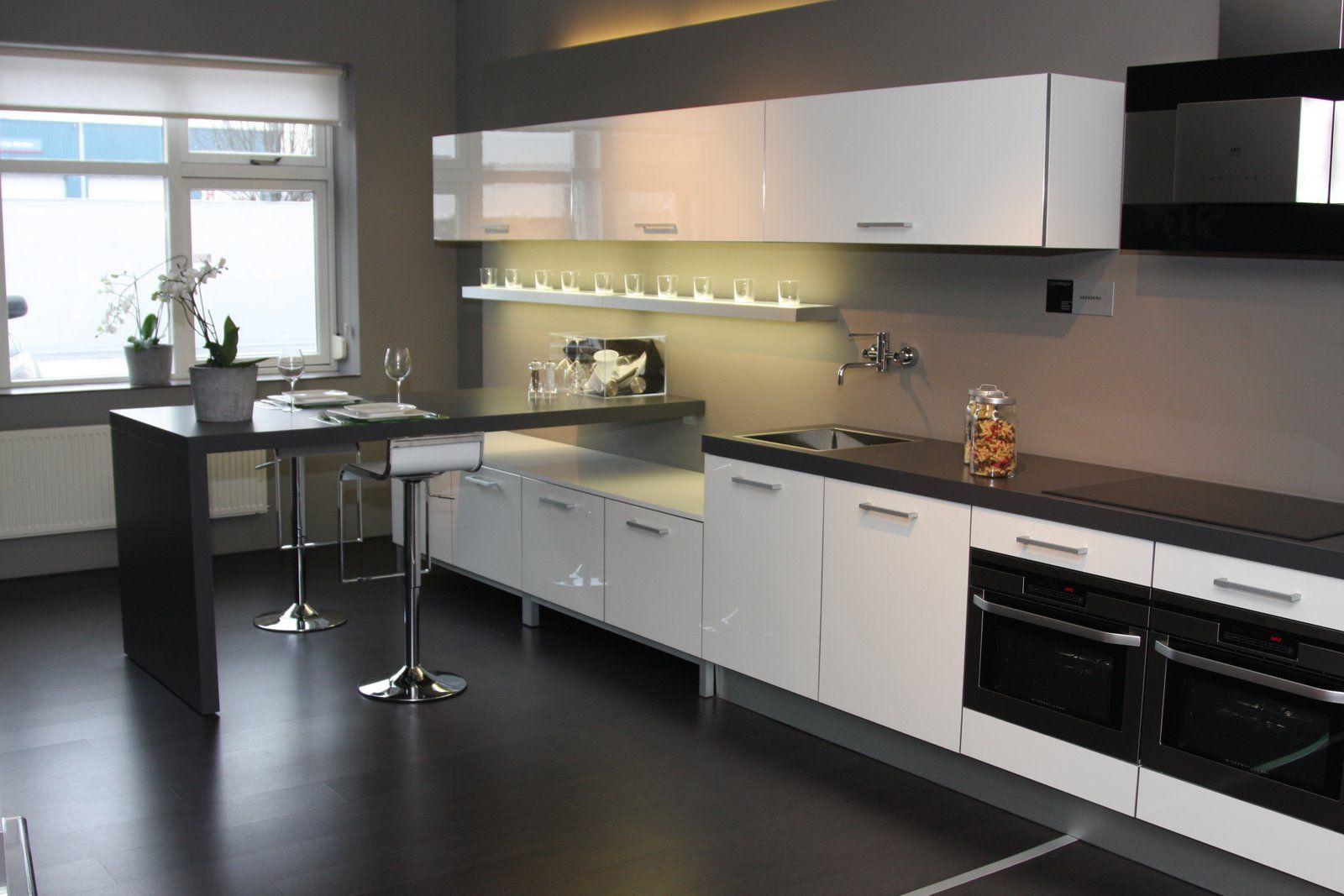 Rechte Keuken Met Bar : keukens voor zeer lage keuken prijzen Comprex Faradero [35031