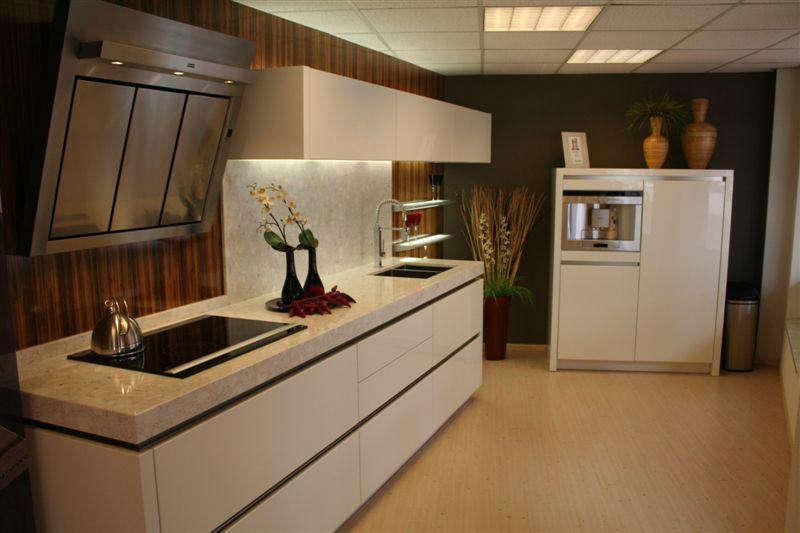 Keuken Hoogglans Wit Achterwand : Keuken Hoogglans Wit Greeploos : keukens voor zeer lage keuken prijzen