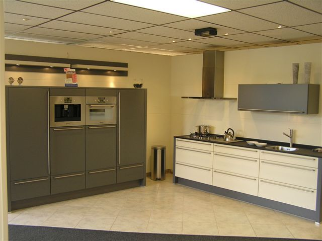 Rechte Keuken Met Kastwand : ... uit Nederland keukens voor zeer lage ...