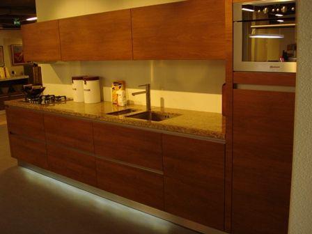 Schuller Keukens Prijslijst : Showroomkeukens alle showroomkeuken aanbiedingen uit nederland