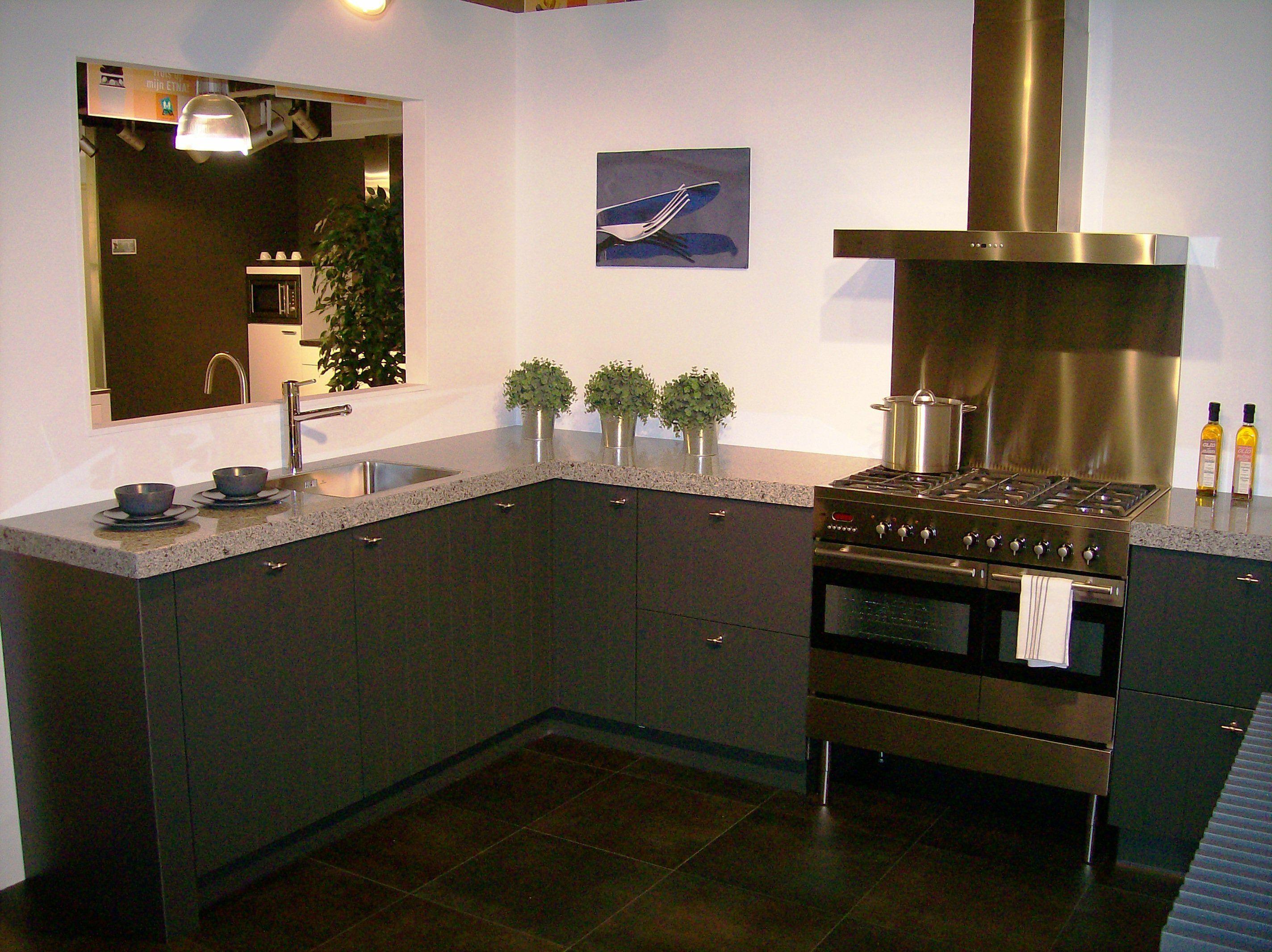 Grijze Keukens: Keuken grijs eiken atumre. Keuken lichtgrijs atumre. .