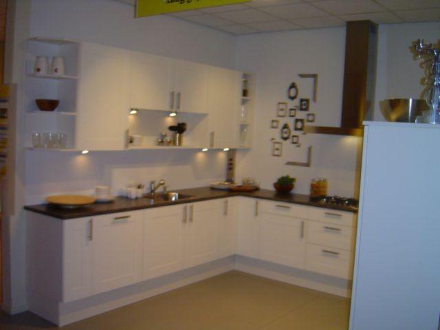 Showroomkeukens Alle Showroomkeuken Aanbiedingen Uit Nederland Keukens Voor Zeer Lage Keuken Prijzen Bruynzeel Quadro 39856