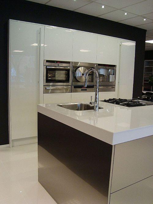Keuken Plint Rvs : keukens voor zeer lage keuken prijzen Italiaanse RVS keuken [42172