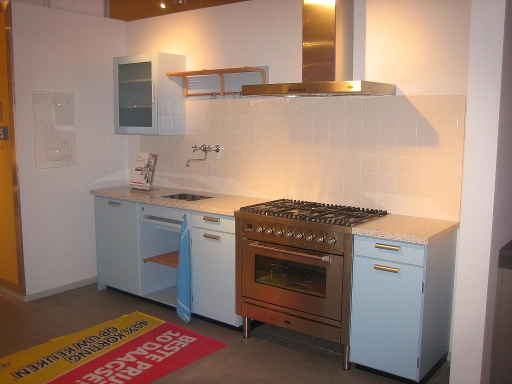 Modern Zwart Keuken : Showroomkeukens alle showroomkeuken aanbiedingen uit nederland