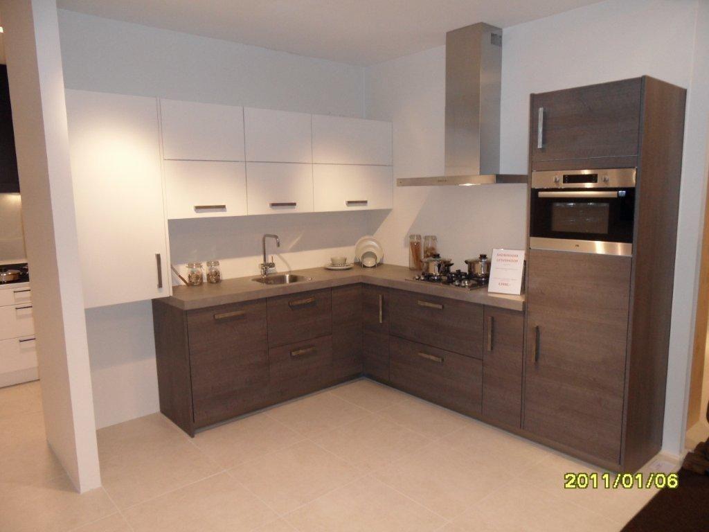 Afmetingen Keuken Onderkasten : keukens voor zeer lage keuken prijzen 2-kleurige keuken [44946