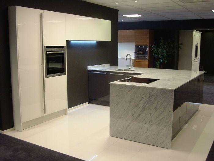 Showroomkeukens alle showroomkeuken aanbiedingen uit nederland keukens voor zeer lage keuken - In het midden eiland keuken ...