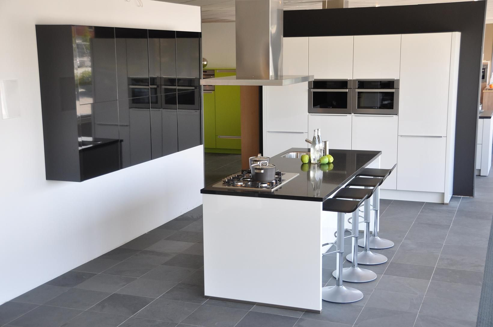 Grijze Keuken Met Zwart Blad : keukens voor zeer lage keuken prijzen Wit hoogglans +composiet