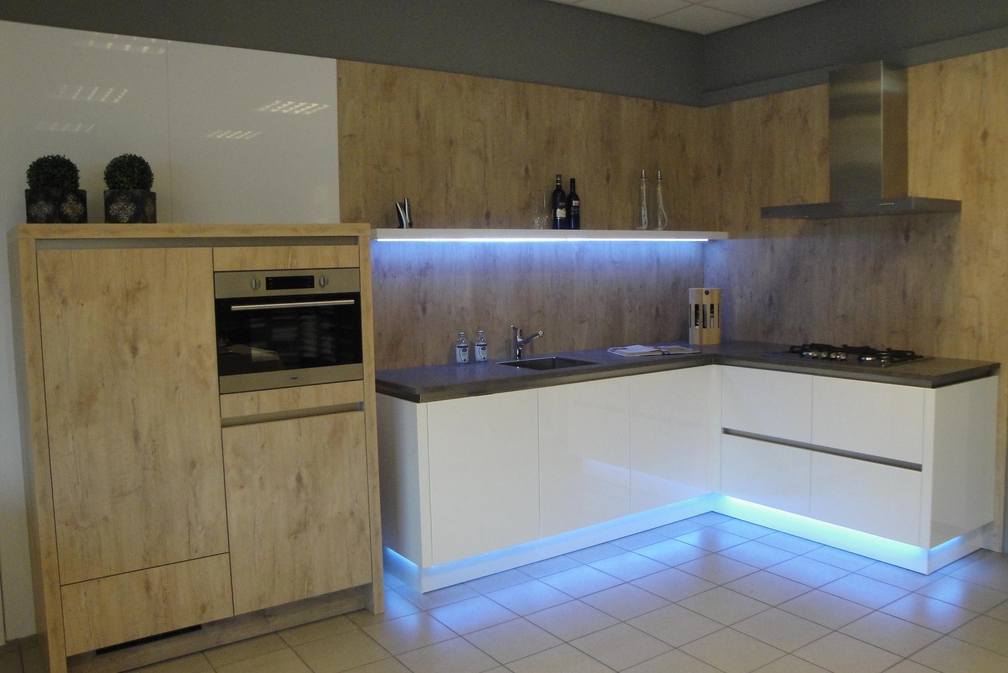 Keuken Plint Rvs : keukens voor zeer lage keuken prijzen Eigenwijze keuken [41848