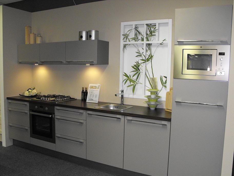 Strak Vormgegeven Keuken : ... Nederland keukens voor zeer lage keuken ...