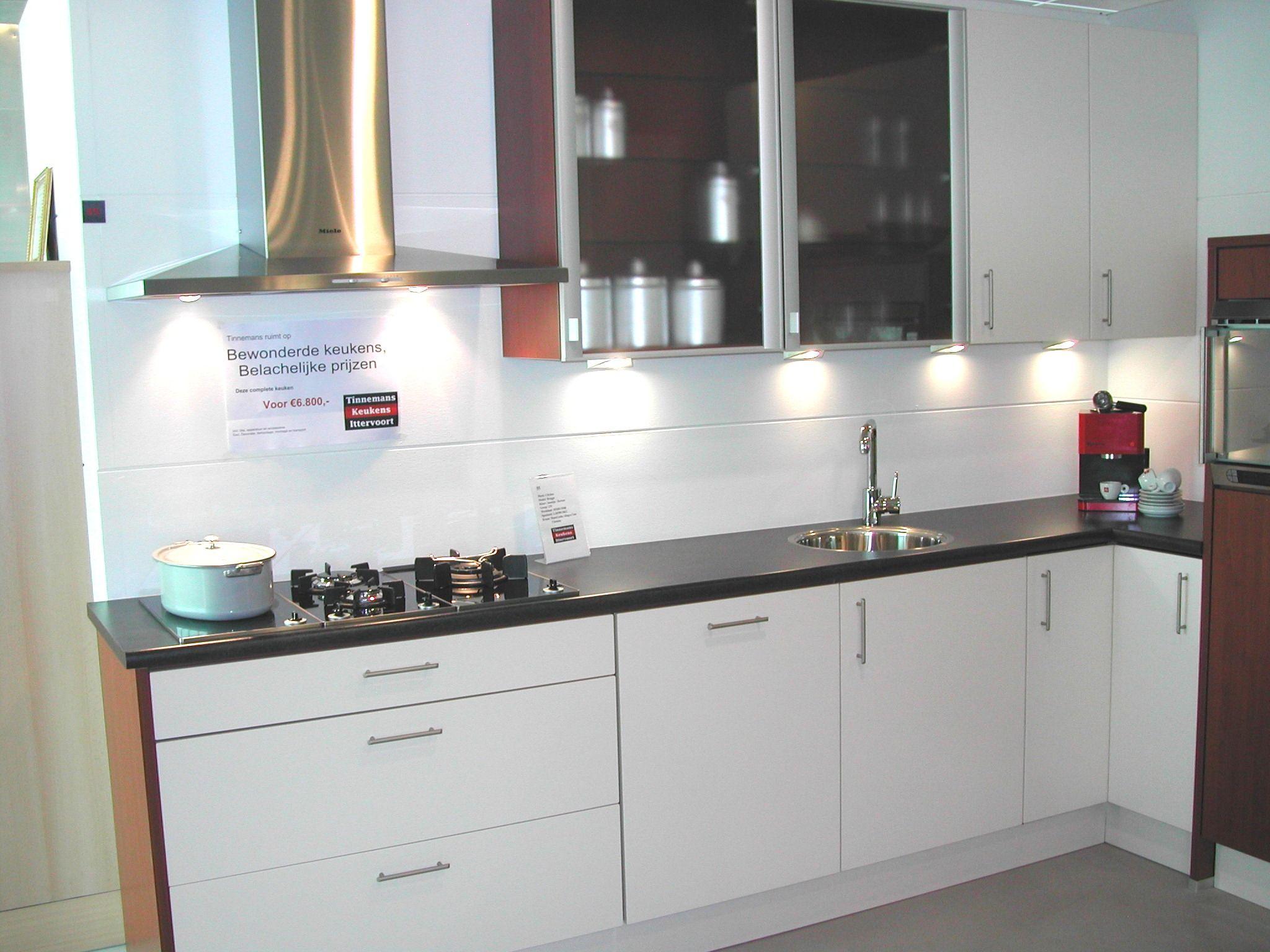 Showroomkeukens Alle Showroomkeuken Aanbiedingen Uit Nederland Keukens Voor Zeer Lage Keuken Prijzen Cityline Brugge 39348
