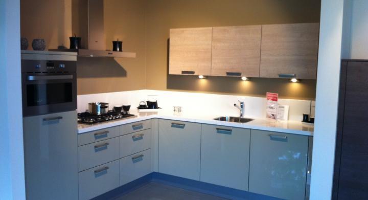 Hoekkeuken modern keukenarchitectuur - Landkeuken chique ...