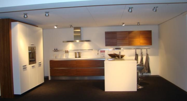 Showroomkeukens alle showroomkeuken aanbiedingen uit nederland keukens voor zeer lage keuken - Dimensie centraal keuken eiland ...