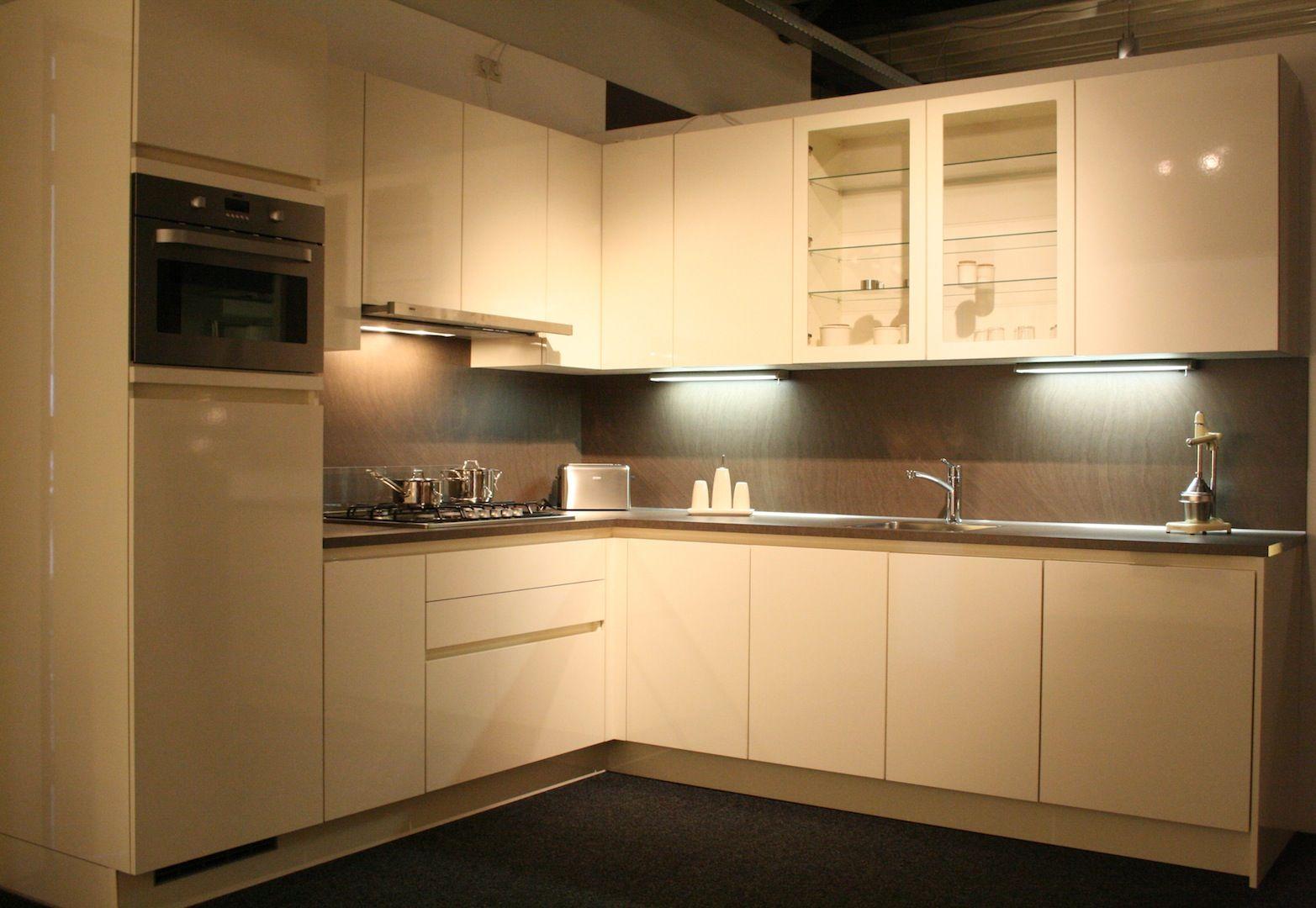 Design Keukens Opruiming : Keukens voor zeer lage keuken prijzen grote ...