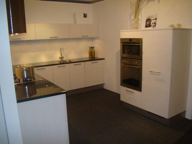 Keukenkast Wit Hoogglans : Keukenkast hoogglans wit best moderne keukens type fino lavawit