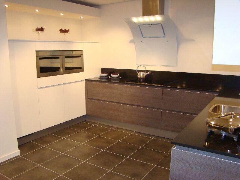 Showroomkeukens alle showroomkeuken aanbiedingen uit nederland keukens voor zeer lage keuken - Hoe dicht een open keuken ...