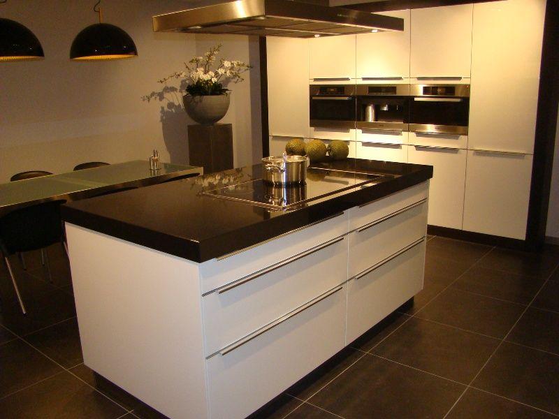 Kastenwand Keuken Showroom : keukens voor zeer lage keuken prijzen Luxe Eiland keuken met luxe