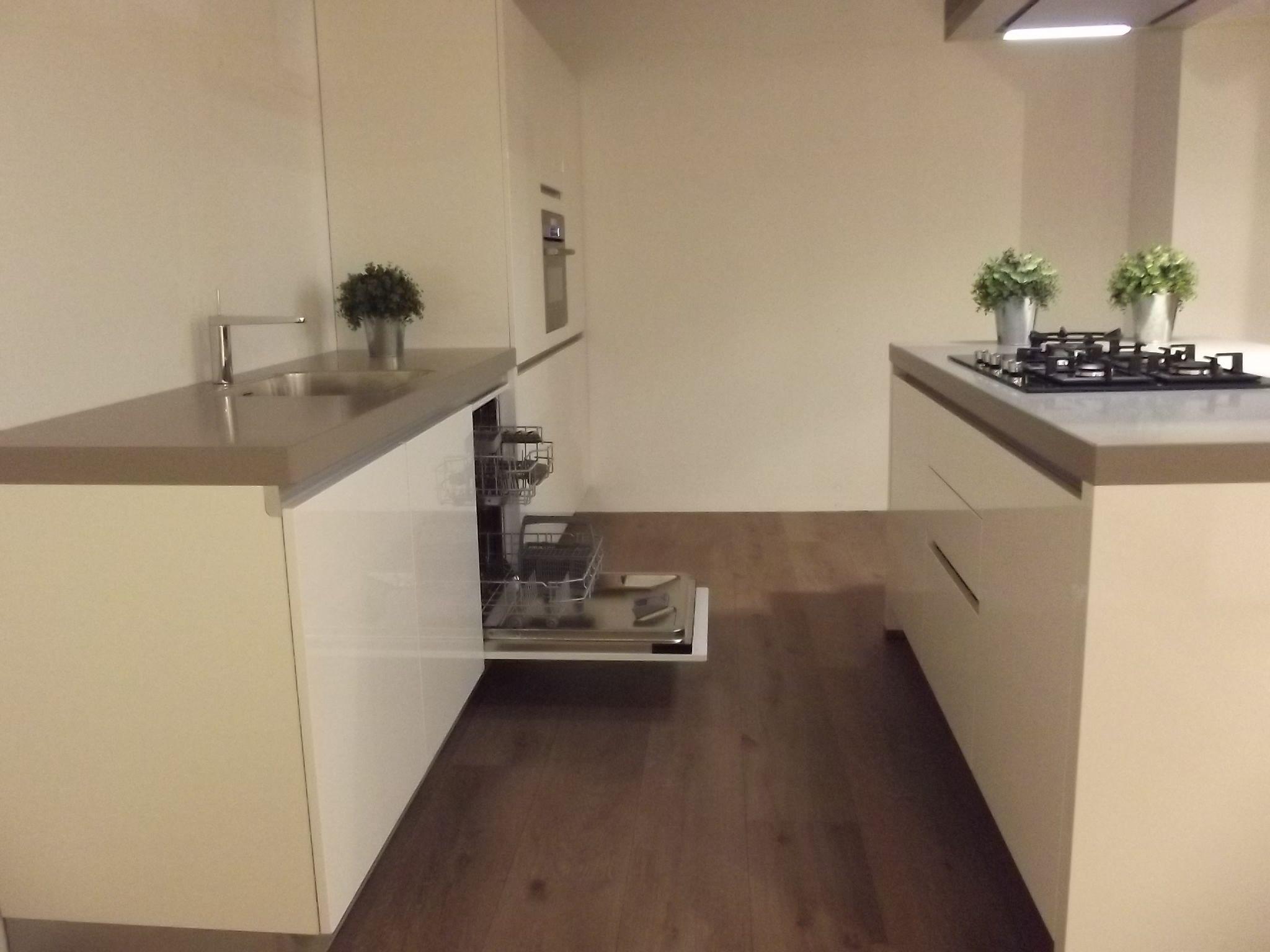 Witte Kraan Keuken: Vri interieur exclusieve landelijk moderne keuken.