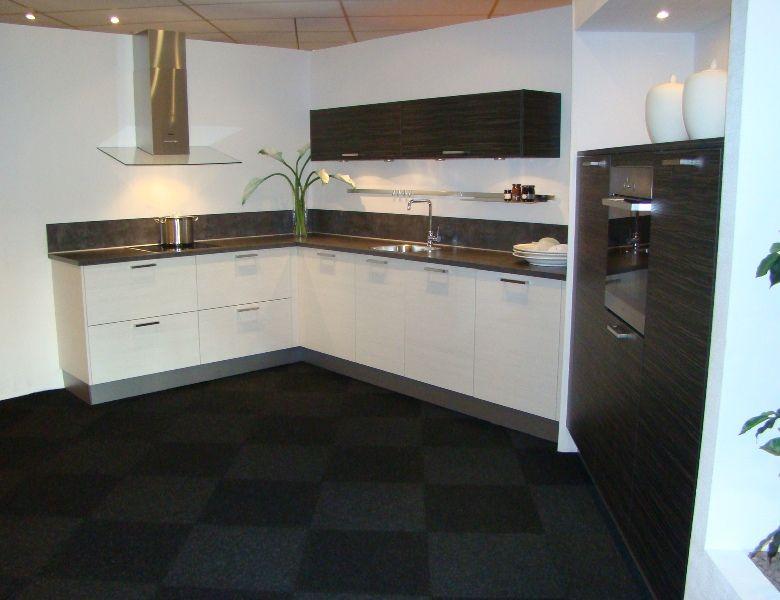 Witte Keuken Zwarte Plint : ... keukens voor zeer lage keuken prijzen ...