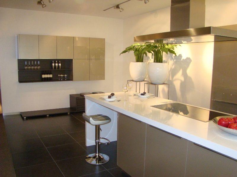 Design Keuken Outlet : keukens voor zeer lage keuken prijzen Emotion eilandkeuken in