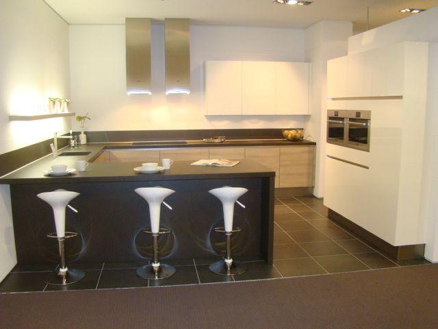 ... keukens voor zeer lage keuken prijzen  Moderne greeploze U keuken