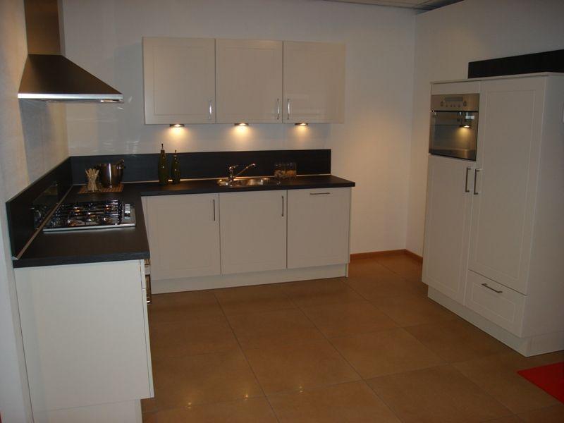 Keuken Kleur Magnolia : keukens voor zeer lage keuken prijzen Landelijke keuken in magnolia