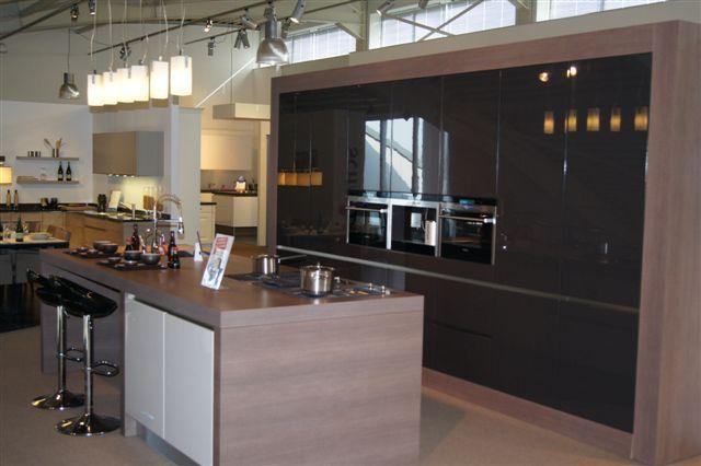 Strakke Keuken Met Eiland : keukens voor zeer lage keuken prijzen Schmidt moderne strakke keuken