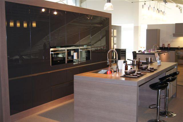 Strakke zwart keuken - Afbeelding moderne keuken ...