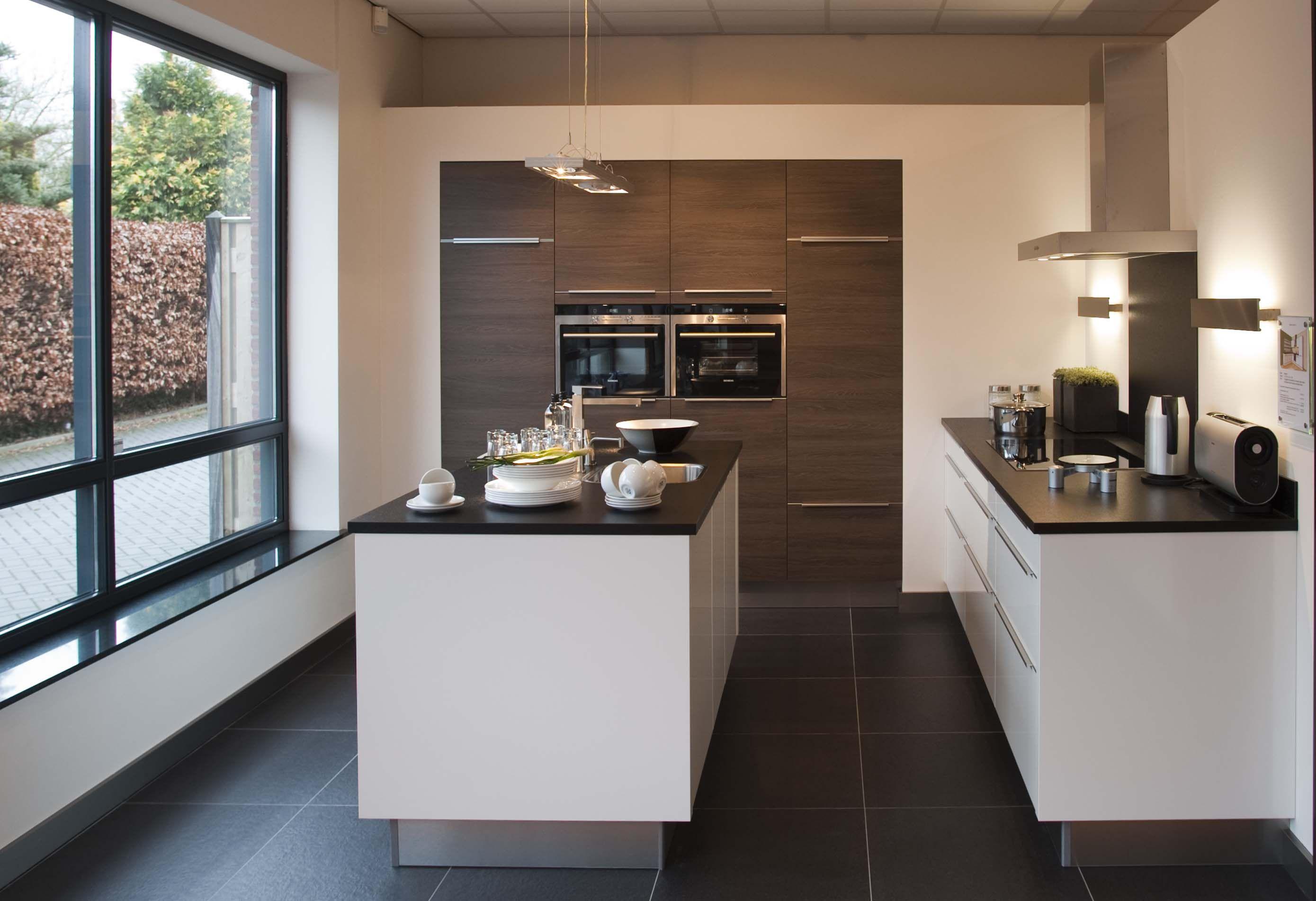 Eiland Keukens Prijzen : Compacte Keuken Met Eiland – Atumre com