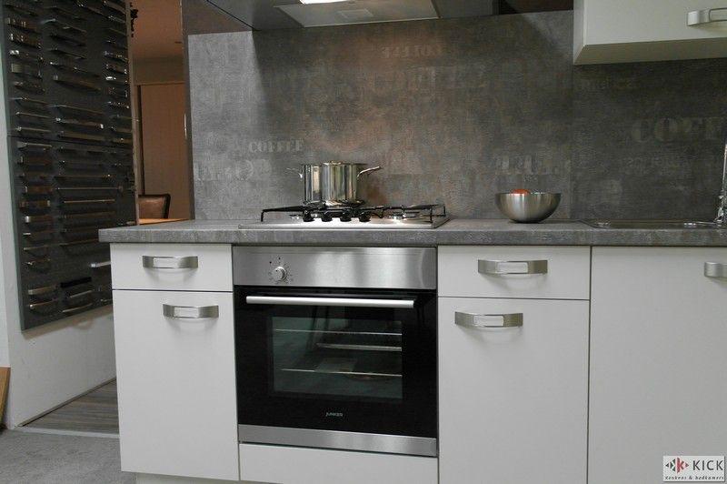 Showroomkeukens alle showroomkeuken aanbiedingen uit nederland keukens voor zeer lage keuken - Keuken witte laquee ...
