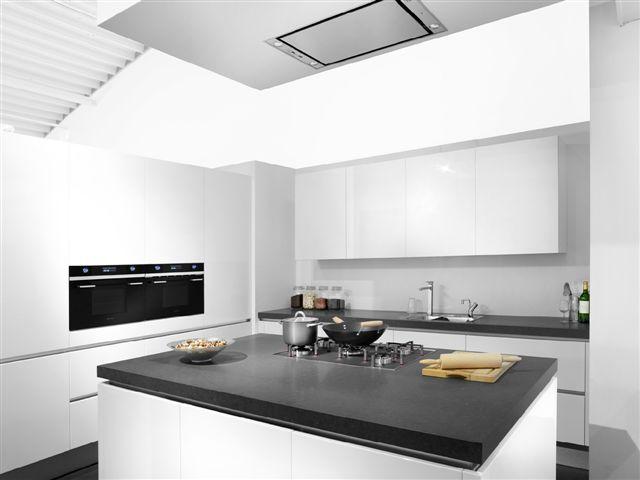 Indeling Parallel Keuken : Showroommodel, K63, nieuw in doos, hoogglans magnolia parallel keuken