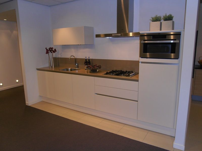 Greeploos Rechte Keuken Magnolia Hoogglans : ... lage keuken prijzen ...