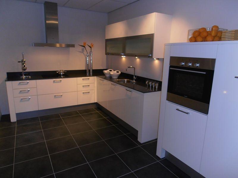 ... keukens voor zeer lage keuken prijzen  Witte hoogglans design keuken