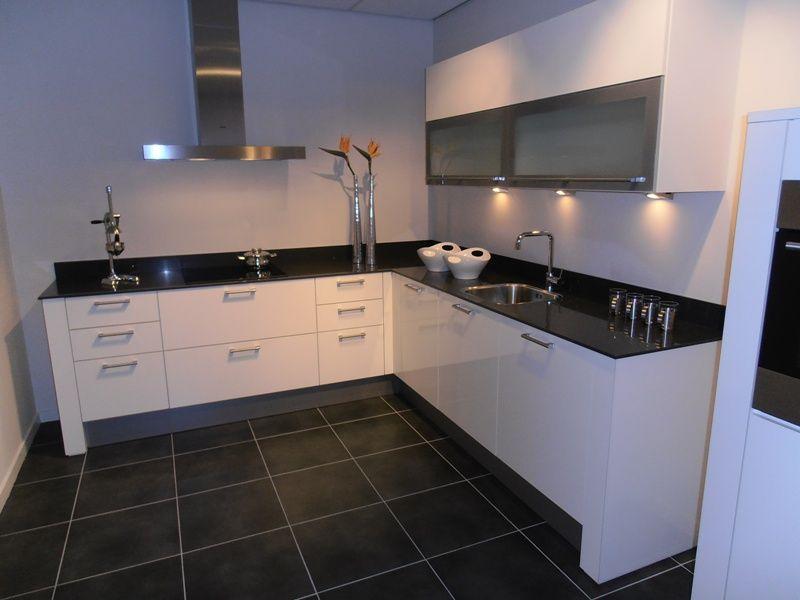 Witte Hoogglans Keuken Met Betonnen Blad : keukens voor zeer lage keuken prijzen Witte hoogglans design keuken