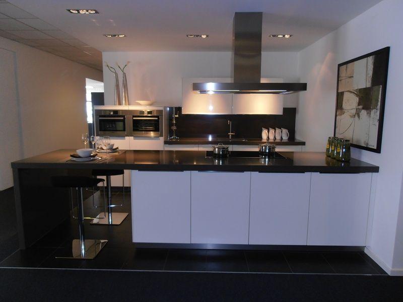 Uitverkoop keuken ekelhoff keukens biedt u van de beste kwaliteit vas banner website acties - Centrum eiland keuken ...