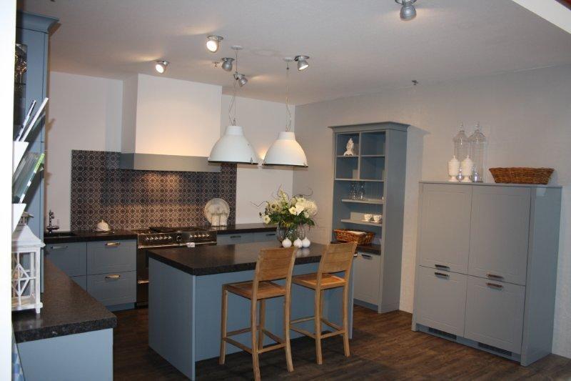 Keuken Grijs Blauw : keukens voor zeer lage keuken prijzen Keuken met werkeiland (Koopje