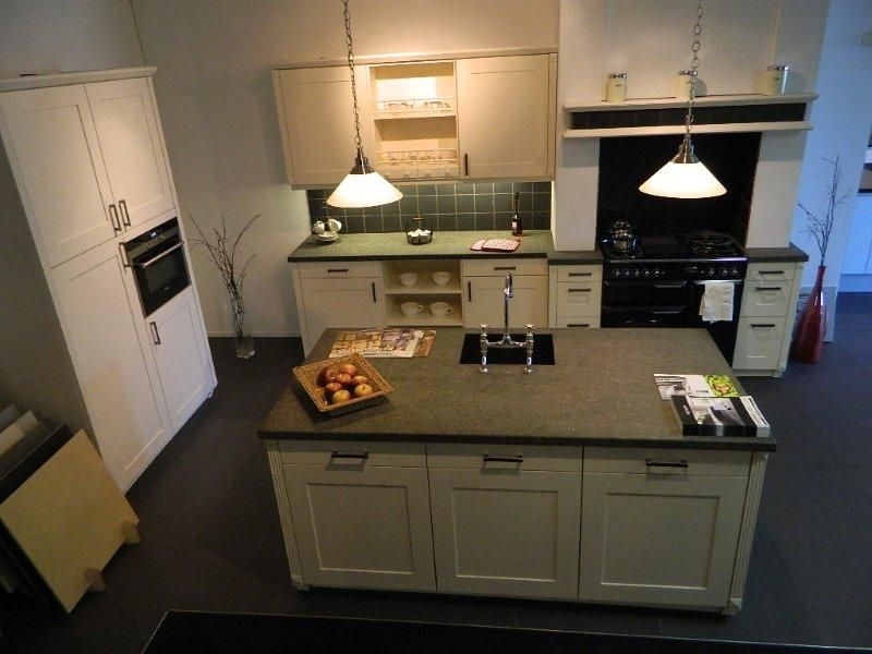 Keuken Eiken Look : eiken keuken 48168 source http www showroomkeukens nl keukens