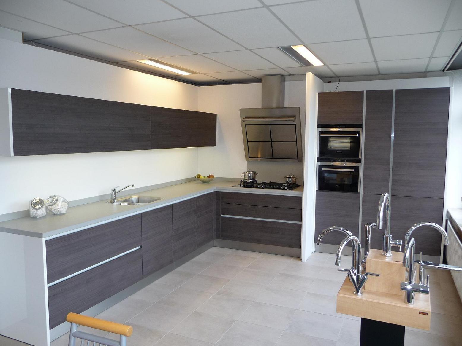 Keuken Plint Monteren : keukens voor zeer lage keuken prijzen Eggersmann greeploos [22243