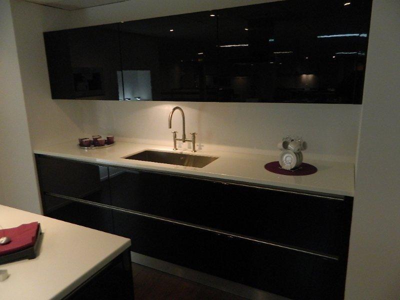 Greeploze Keukens Aanbieding : Showroomkeukens Alle Showroomkeuken aanbiedingen uit