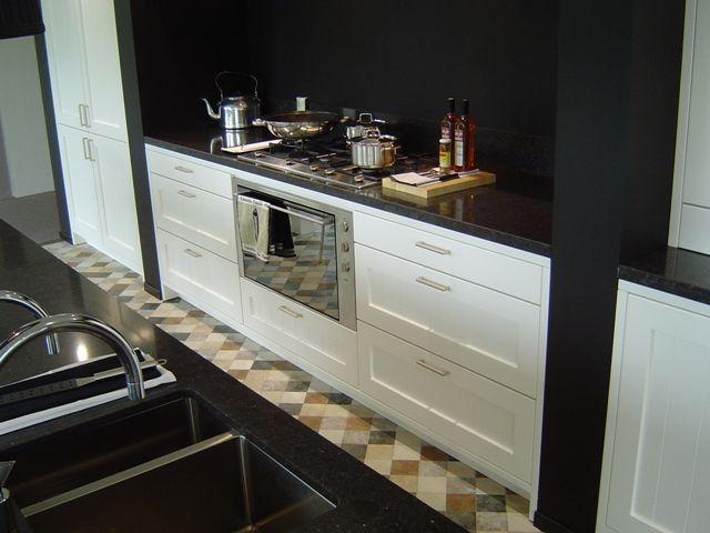 Showroomkeukens alle showroomkeuken aanbiedingen uit nederland keukens voor zeer lage keuken - Werkblad voor witte keuken ...