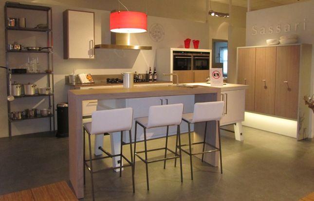 Zwevende Keuken Showroom : keukens voor zeer lage keuken prijzen Zwevende keuken met eiland (8