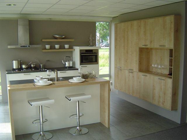 moderne keuken met bar  consenza for ., Meubels Ideeën