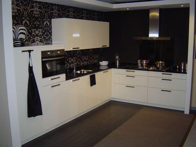Achterwand Witte Hoogglans Keuken : keukens voor zeer lage keuken prijzen Complete moderne keuken met