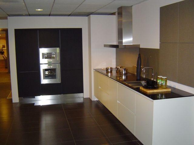 ... keukens voor zeer lage keuken prijzen  Fraai greeploze design keuken