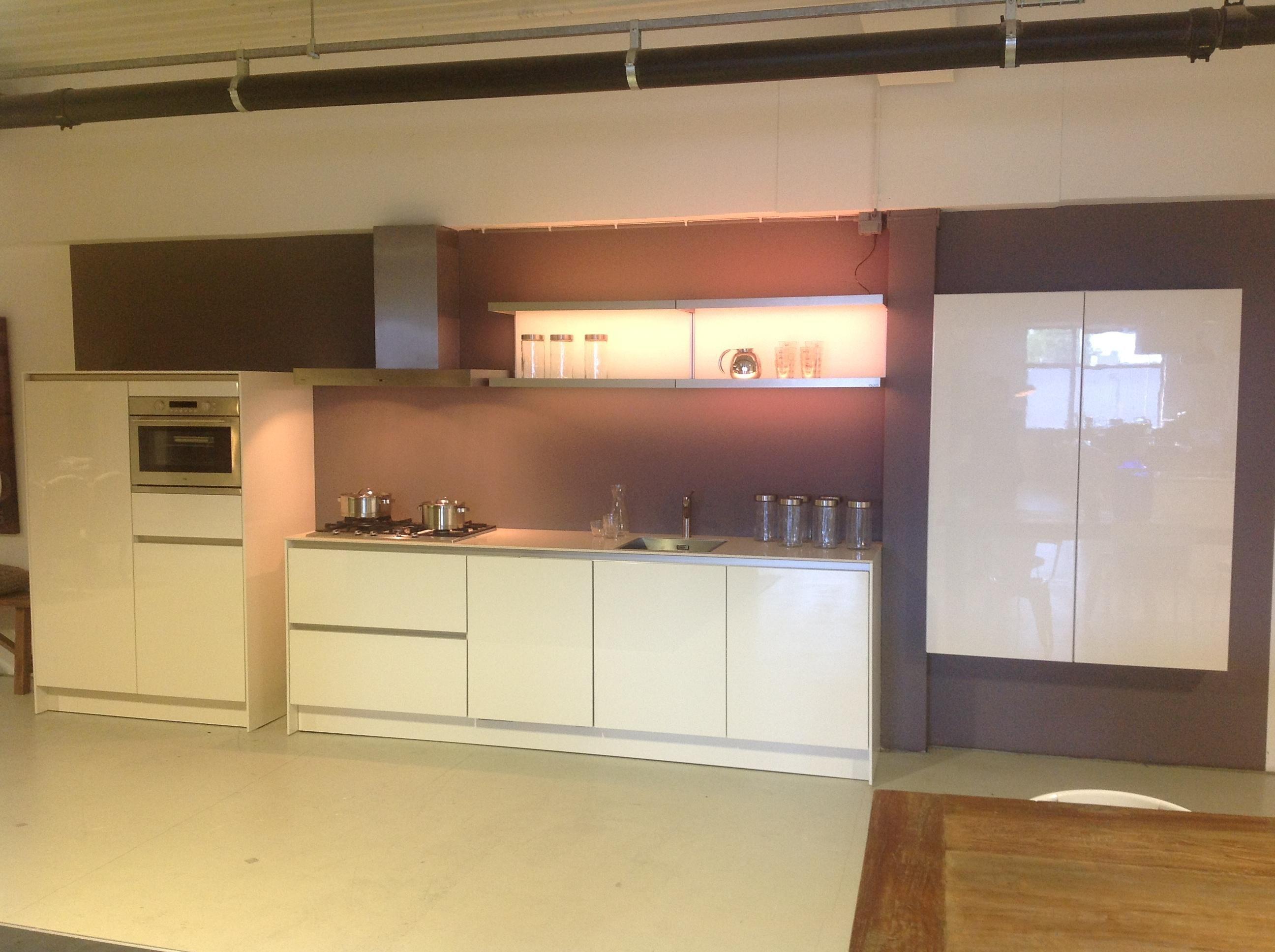 Moderne Greeploze Rechte Keuken: By tieleman in bleiswijk model ...