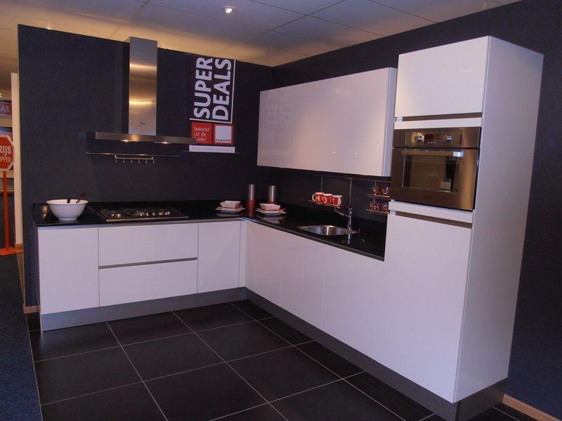 Witte Hoogglans Keuken Greeploos : keukens voor zeer lage keuken prijzen Greeploze hoogglans keuken
