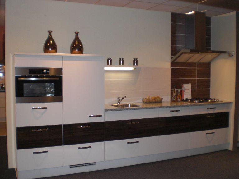 Rechte Keuken Showroom : keukens voor zeer lage keuken prijzen Hoogglans rechte keuken [46790