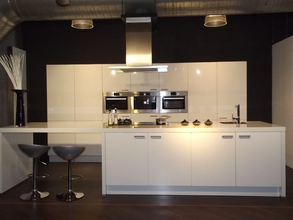 Kunststof Achterwand Keuken Verven : Compacte Keuken Met Eiland : keukens voor zeer lage keuken prijzen D