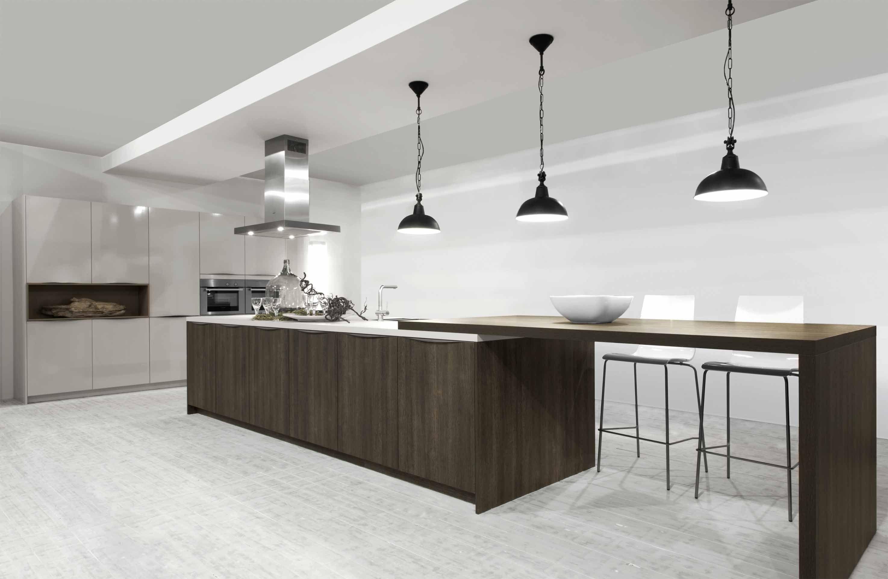 Showroomkeukens alle showroomkeuken aanbiedingen uit nederland keukens voor zeer lage keuken - Grote keuken met kookeiland ...